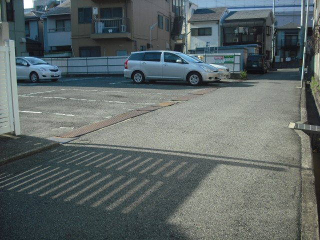 福原モータープール