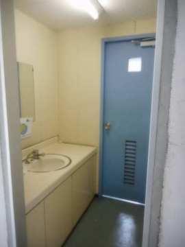 共用トイレ 洗面台