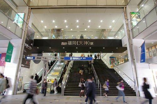 西鉄天神駅はショッピングセンターと直結しています。